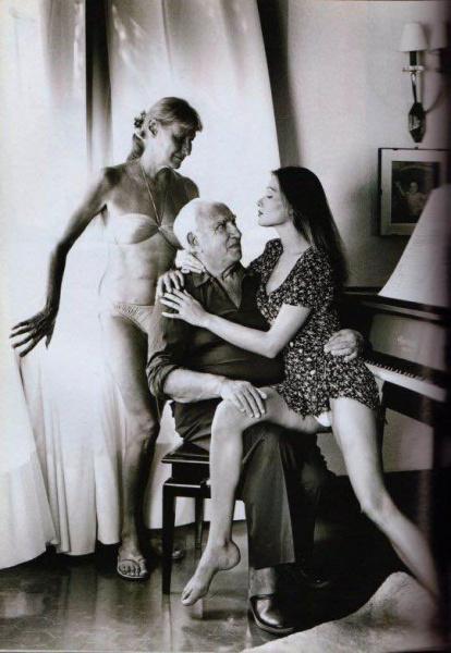 Карла Бруни (жена Саркози) с родителями.