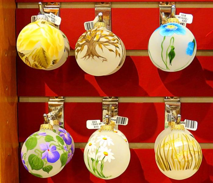 Что за ёлка без праздничных шаров? (+ 2 снимка)