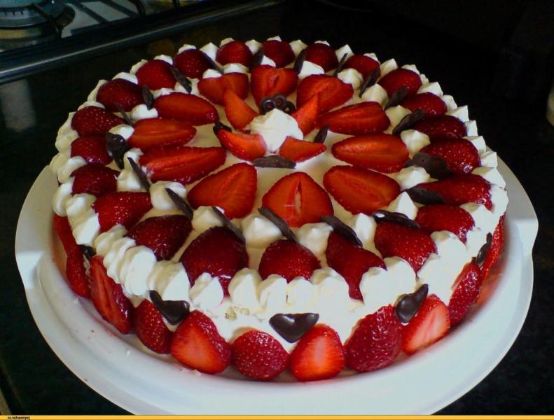 Торт клубникаы с фото