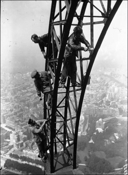 Покраска Эйфелевой башни, 1932