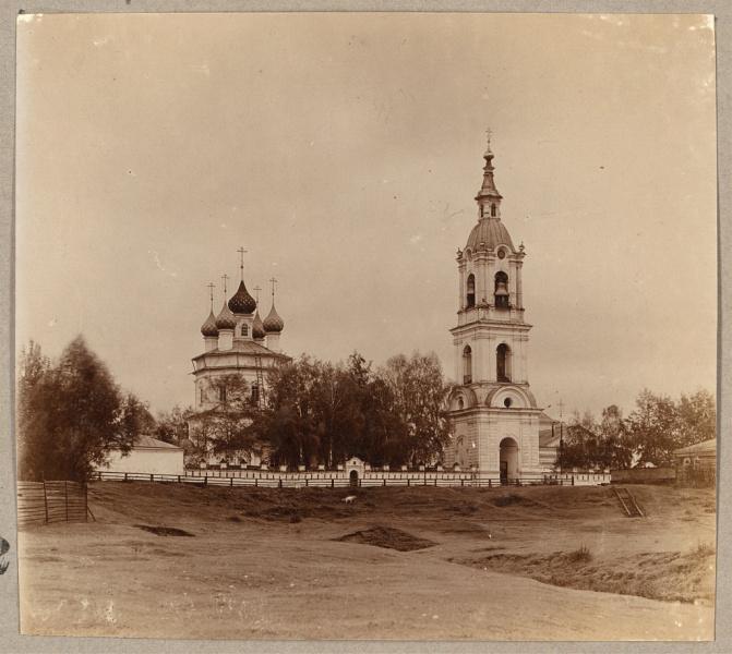 Общий вид Воскресенской (Заречной)  церкви.
