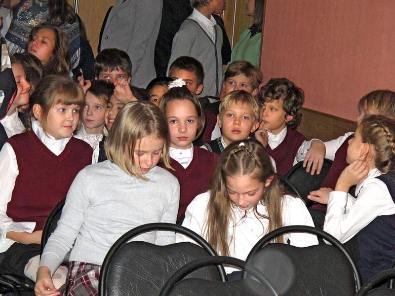 Школьники из подшефной школы
