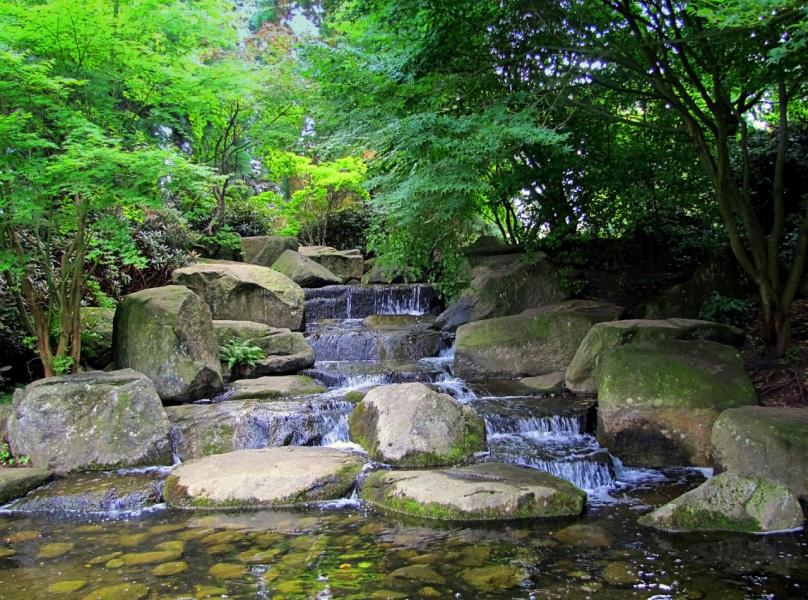 Водный каскад (2 снимка)