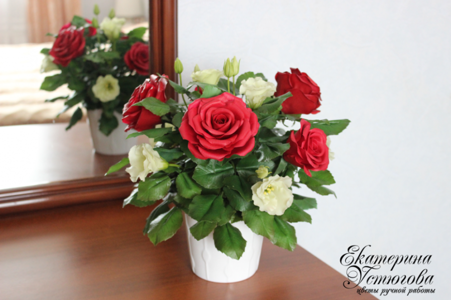 Букет с розами из полимерной глины