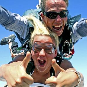 Видео секс при прыжке с парашютом