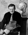 АКСЕНОВ Василий Павлович. Лауреат литературной премии «Букер – Открытая Россия», профессор. Родился в 1932 году в Казани. Ему не было еще пяти лет, когда его родители стали узниками сталинских лагерей. Школу будущему писателю пришлось окончить в Магадане.