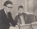 С одним из моих учеников (Саша Багров) в музыкальной школе.