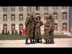 Безумные новобранцы / Les bidasses en folie (1971) DVDRip