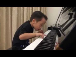 Tsung Tsung Amazing Piano Prodigy (5Age) - Flood Time - Air 師承邱世傑 (age 3.5 - 6 ).