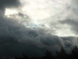 тучи и солнце из окна.wmv