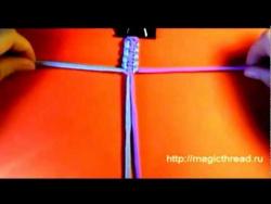 Браслет Шамбала: 1 урок. Квадратный плоский узел.