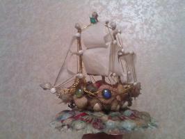 кораблик из ракушек