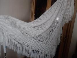 вот такая шаль - связала и...подарила:)