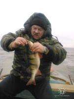 На осенней рыбалке