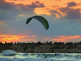 Морские забавы на фоне заката (Ашкелон)