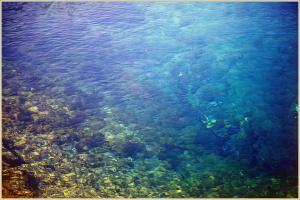 Голубая вода озера Голубого