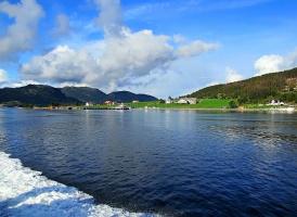 А за бортом - норвежские пейзажи!