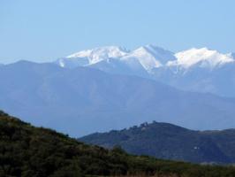заснеженные вершины Пириней