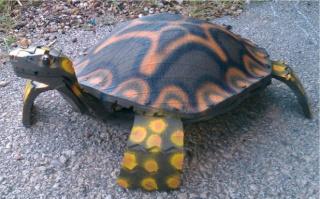 Черепаха из покрышек