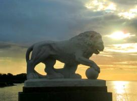 лев на Елагином острове