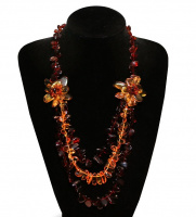 Бусы янтарь с цветами