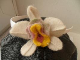 Орхидея из шерсти