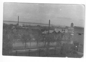 Май 1966 года. Вид из школьного окна 2-й средней. Фотография из личного альбома Валентины Немковой (Корниловой).