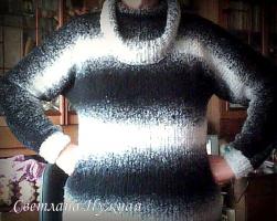 Пуловер с воротником хомут