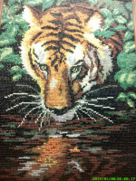 Тигр на водопое.автор:Юлия.