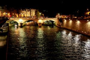 Ночной Париж (серия)