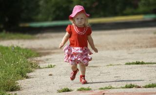 Маленьким деткам так хочется гулять