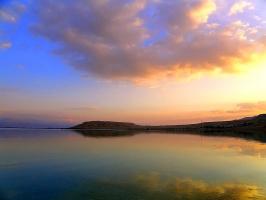 Восход на Мёртвом море