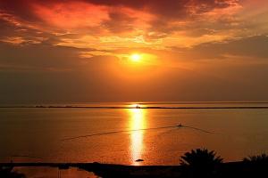 Так начинается день на Мёртвом море
