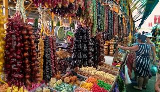 На рынке в Адлере