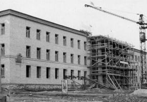 Строится главное здание города! 1955 год.