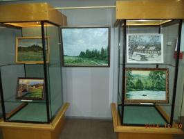 В краеведческом музее выставка картин. Октябрь 2014.