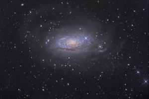 М 63  ( дальность  - 50 000 000 свет. лет )