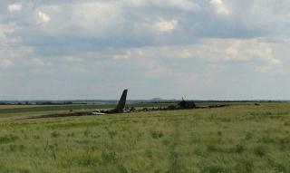 Над Луганском сбит самолет Ил-76 (фото №6)