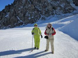 Немного гор, чистого снега и подруг
