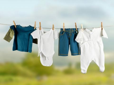Взять вещи для ребенка у быв…