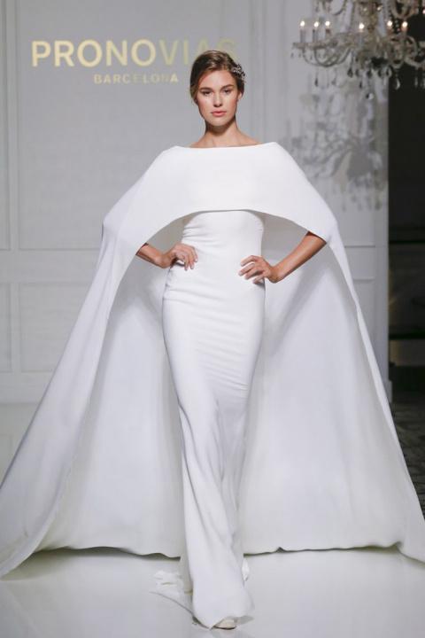 Прекрасная свадебная коллекция испанского модного дома Pronovias: 20 великолепных нарядов сезона осень-зима 2016-2017