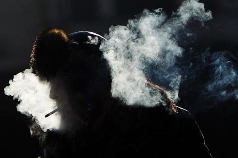 «В 2033 году курение станет …