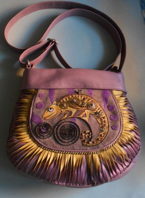 Невероятное преображение старой сумки