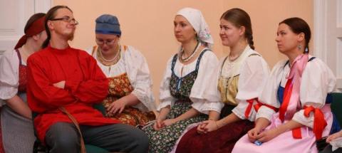 """В канун Дня всех влюблённых музей """"Кижи"""" приглашает молодёжь на заонежскую бесёду"""