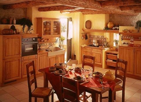 ПОНЕДЕЛЬНИК — ДЕНЬ СОВЕТОВ. Как бороться с жирными пятнами на кухне