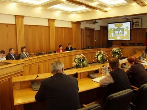 Депутаты отказались штрафовать себя за прогулы заседаний