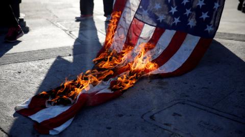 Вашингтон заслужил санкции куда больше Москвы, Тегерана или Пхеньяна