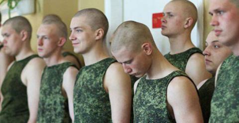 Украина закатила истерику по поводу призыва крымчан в армию