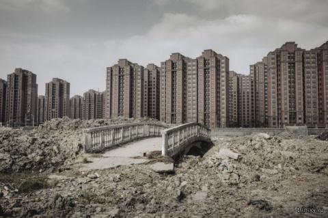 Незаселенные города-призраки в Китае (сюрреалистическое зрелище)