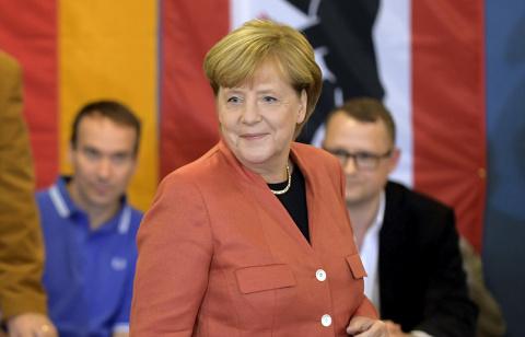 Экзитпол: блок Меркель побеж…